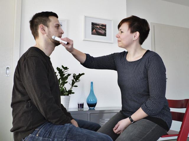Stimmulation der Muskeln im Gesichtsbereich zum Beispiel bei Facialisparese.